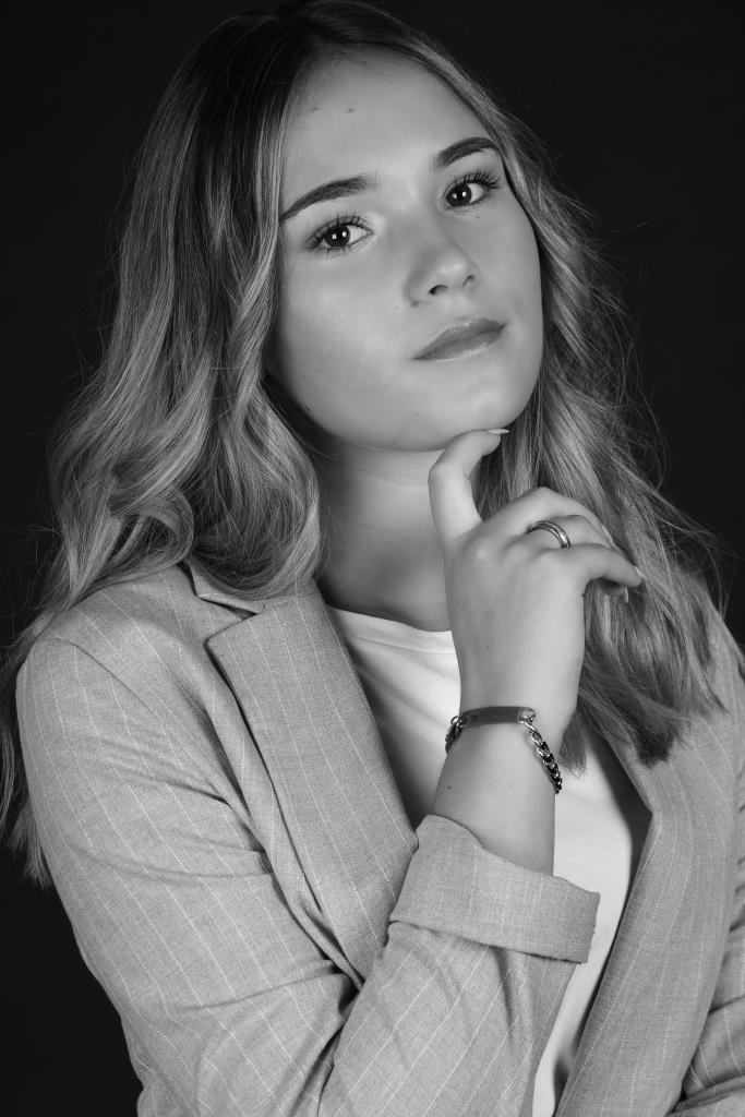 Adriana Cruz-12